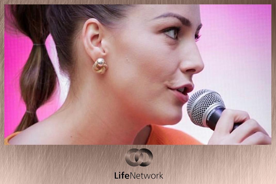 Takács Nóra műsorvezetés Life Network